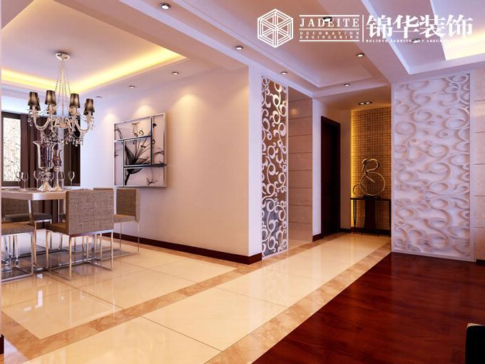 将客厅的位置放置在原小房间的位置,中间以半高餐边柜做隔断,更显通透